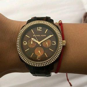 MK Boyfriend tortious shell watch